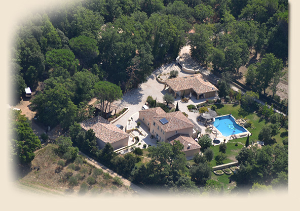Luxury home rentals - Aerial photo of bed and breakfast Provence